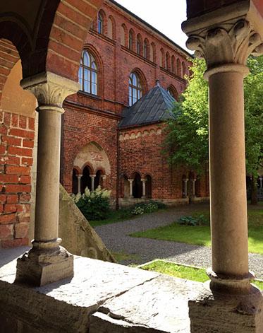 Im Kreuzgang des Doms zu Riga