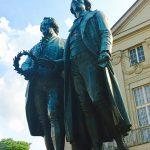 mn-weimar-dichterdenkmal-goethe-schiller