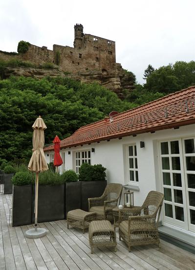 Blick vom Hotel auf die Burg