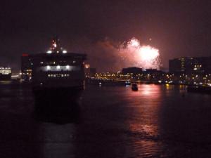 Feuerwerk im Amsterdamer Hafen