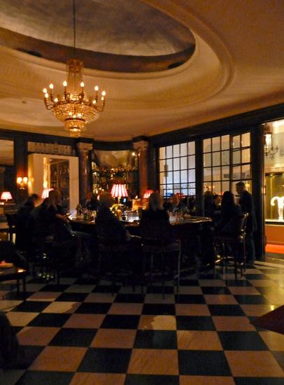 Die Bar im Hotel National