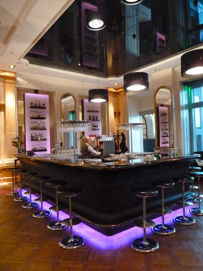 Die Bar im Hotel Schweizerhof