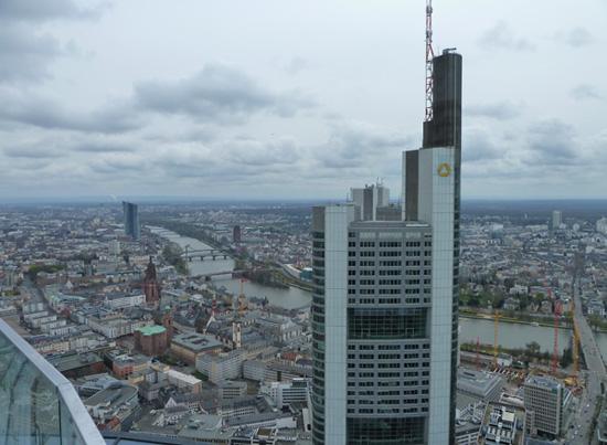 Blick auf Frankfurt aus der Höhe