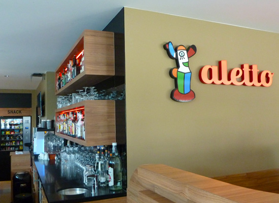 Logo Aletto in der Bar