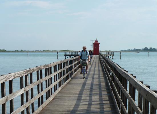 Fahrradtour mit Blick in die Lagune