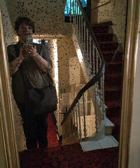 Im Treppenhaus bei James Ensor