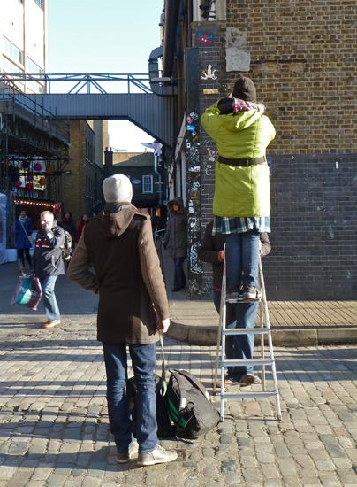 Eine Leiter für die Streetart in London