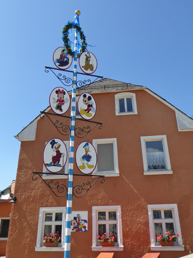 Maibaum in Schwarzenbach