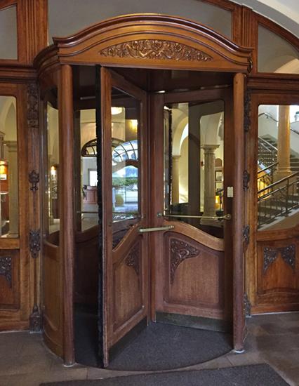 Nostalgisch: Die Drehtür im Dorint Hotel Bad Brückenau