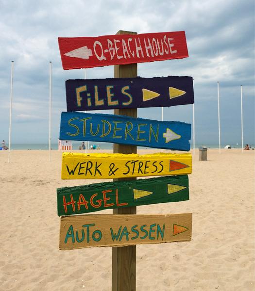 Schild am Strand von Ostende