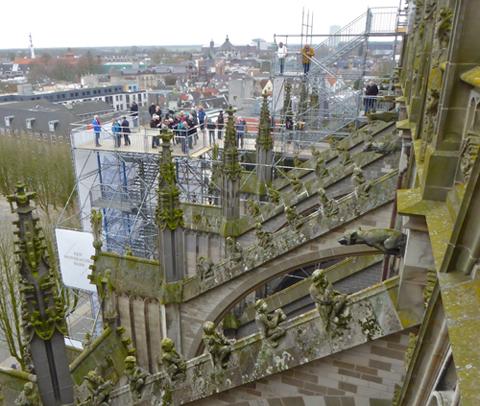 Aus dem Dach der Kathedrale von 's-Hertogenbosch