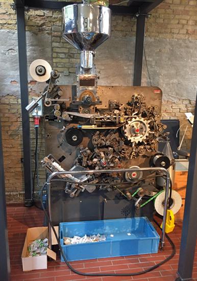 Teebeutel-Maschine im Museum Joure