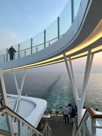 Skywalk auf der Neuen Mein Schiff 1
