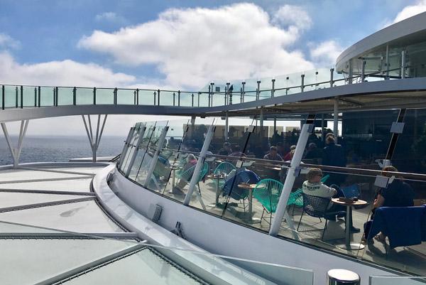 Außenalster und Skywalk auf der Neuen Mein Schiff 2