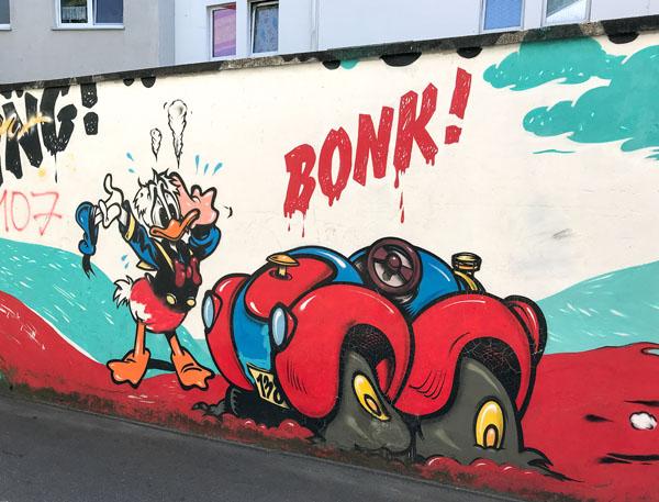 Donald Duck und sein Auto
