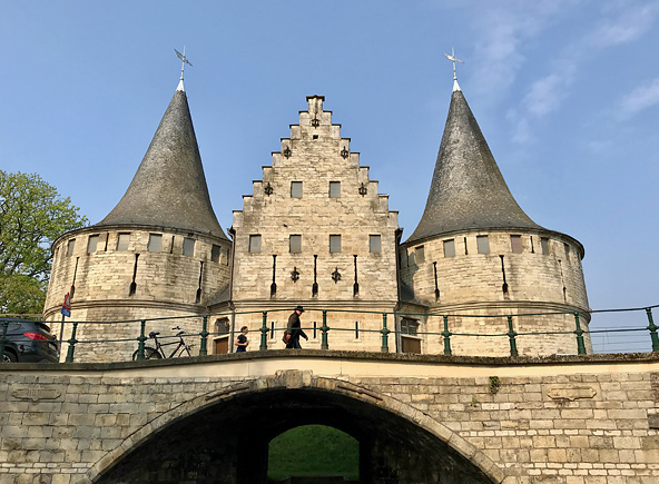 Das Holstentor in Gent und somit in der falschen Stadt?