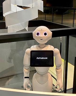 Roboter Pepper im Futurium