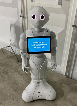 Roboter Pepper im Impfzentrum Wuppertal