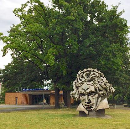Beethon - eine Beethoven-Skulptur